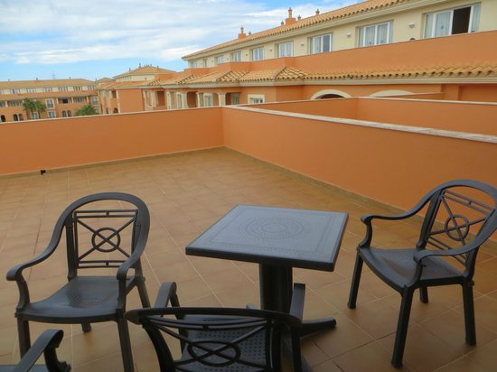 Grupotel Macarella Suites & Spa: Our huge balcony