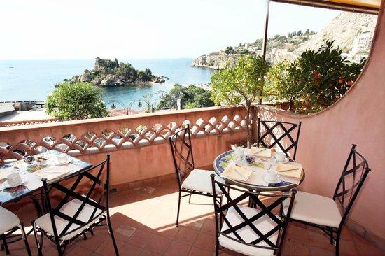 Mendolia Beach Hotel : Terrazza Sala colazione