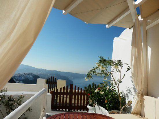 Santorini Mansion at Imerovigli: (Outdoor) room with a view