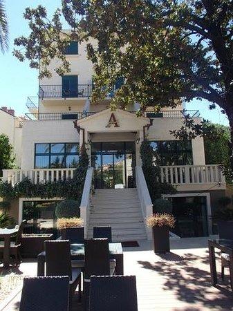 Aquarius Dubrovnik Hotel & Restaurant: Hotel Aquarius - Grounds