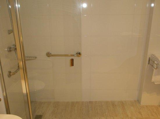 Hotel Melina : baño enorme
