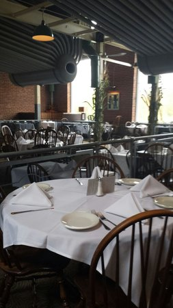 Powerhouse Eatery: The back dining room