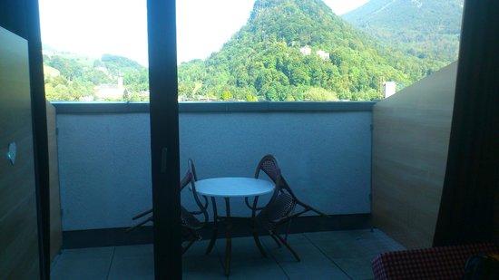 MEININGER Hotel Salzburg City Center: Balcon