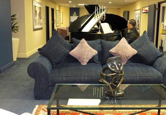 Cape Town Lodge: Un pianiste au petit déjeuner