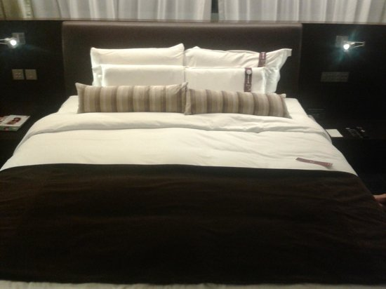 Hotel LKF By Rhombus: bed