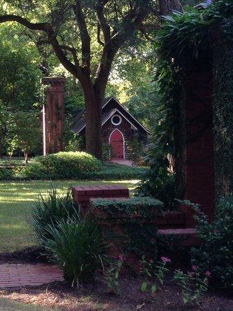 Rose Hill Estate: Wedding Chapel