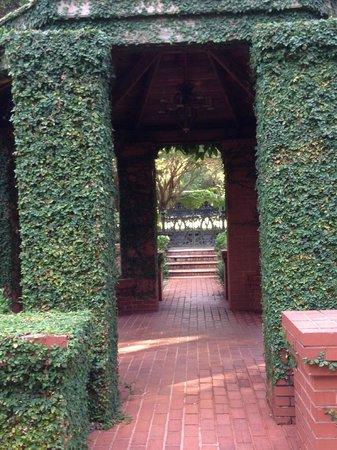 Rose Hill Estate : Gardens