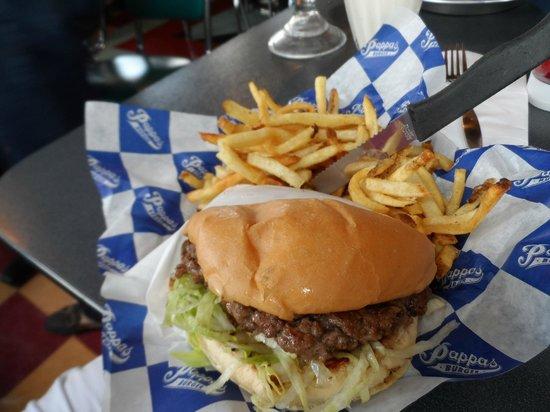 Pappas Burger Hobby Airport: The burger