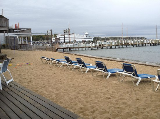 Vineyard Harbor Motel -- private beach