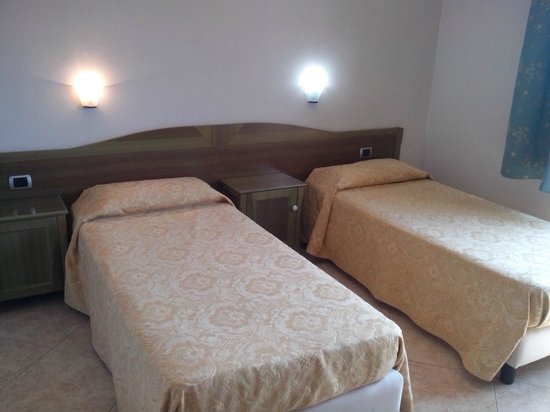 Camera Doppia con letti singoli - Picture of Hotel Monte ...