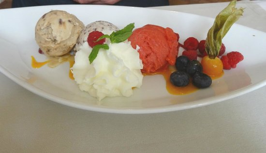 "La Bruceliere : ""Fruit Salade"""