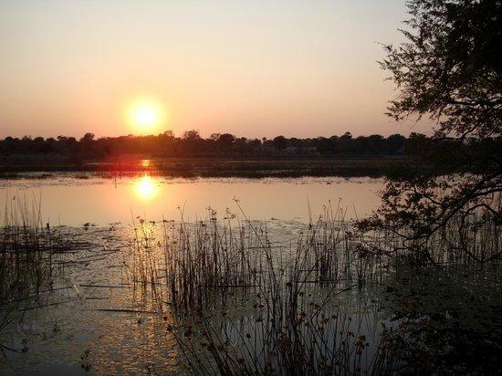 Island Safari Lodge: Sunset