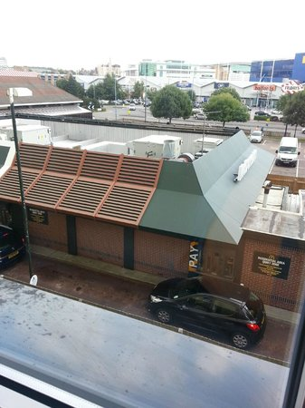 Hotel ibis budget Southampton Centre: view of McDonals from our Ibis Budget Southampton room