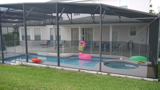 Highland Reserve : Pool view