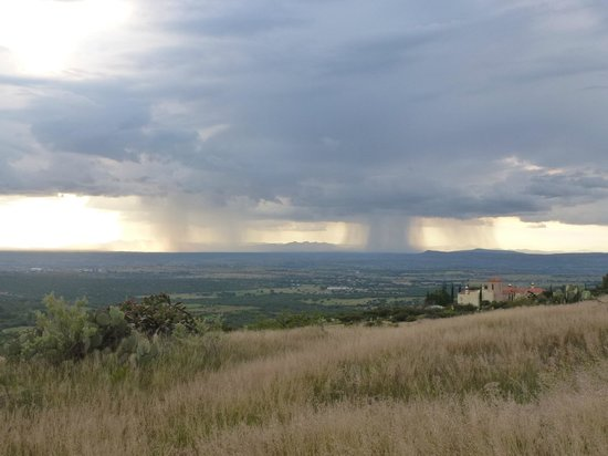 Sagrada Boutique Hotel: rain over valley