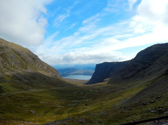 Inverness  Day Tours: Moving toward Applecross.