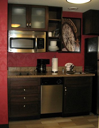 Residence Inn San Diego Downtown/Gaslamp Quarter: Kitchen in 815