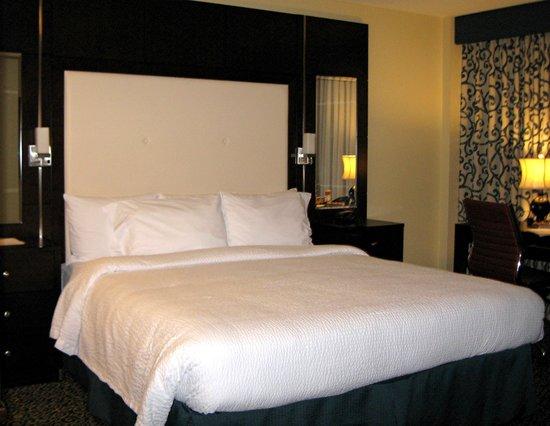 Residence Inn San Diego Downtown/Gaslamp Quarter: Room 815