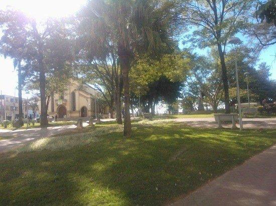 Itauna, MG: Praça Central de Itaúna