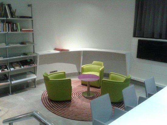 Ibis Styles Madrid Prado: Sala de reuniones