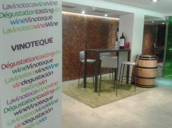 Ibis Styles Madrid Prado: Zona de relax