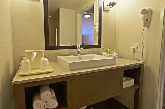 Holiday Inn Express and Suites Phoenix North - Scottsdale: Close to Mayo Hospital
