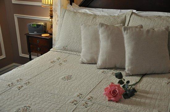 Photo of Victorian Suites Inn Niagara-on-the-Lake