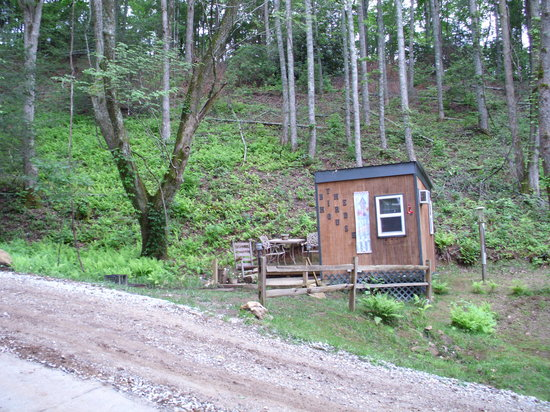 Simple Life Campground & Cabins: The Bird House camping cabin