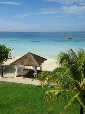 Azul Beach Resort Sensatori Jamaica by Karisma: View from room of wedding and massage gazebo