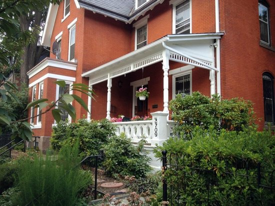 Spruce Hill Manor Bed and Breakfast