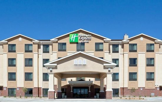 Holiday Inn Express Hotel & Suites Deming Mimbres Valley: Hotel Exterior