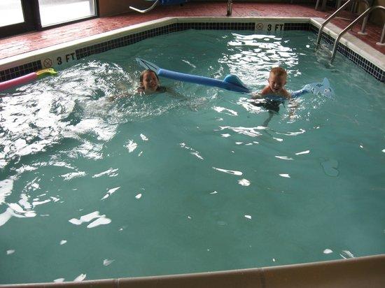 Sleep Inn and Suites : Indoor Heated Pool