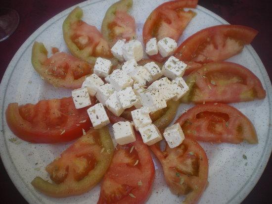 Tasca D'Alkhaz : Tomato & Feta Salad
