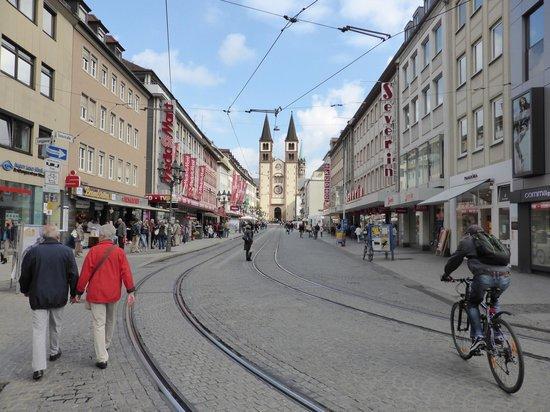 Schlosshotel Steinburg: downtown Wurzburg