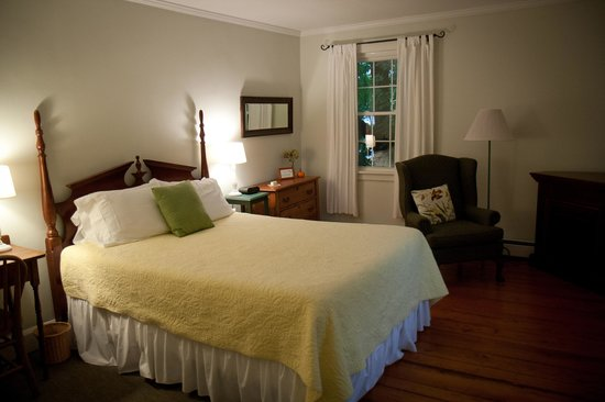 Eddington House Inn: Suzi's room