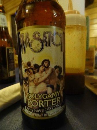 Cowboy's Smoke House: Polygam Porter, cerveja local, Muito boa