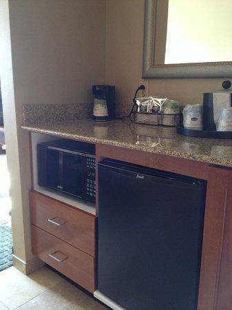 Hampton Inn & Suites New Haven - South - West Haven: Mini-fridge/Micro-wave/wet sink/coffee maker