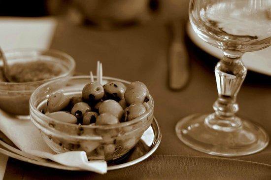 Le Flore : olives // copyrights: Weronika Rafa