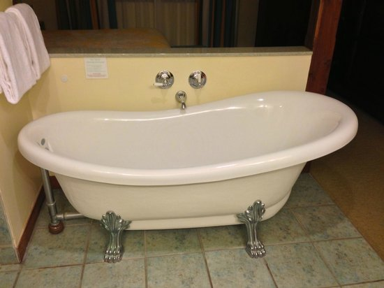 A Nice Antique Claw Foot Whirlpool Tub Picture Of Wyndham Kona