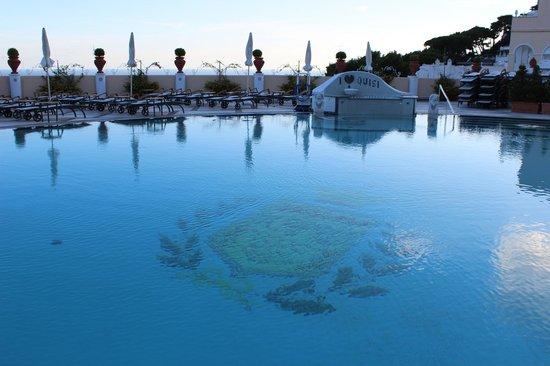 Grand Hotel Quisisana : Piscina ao ar livre!