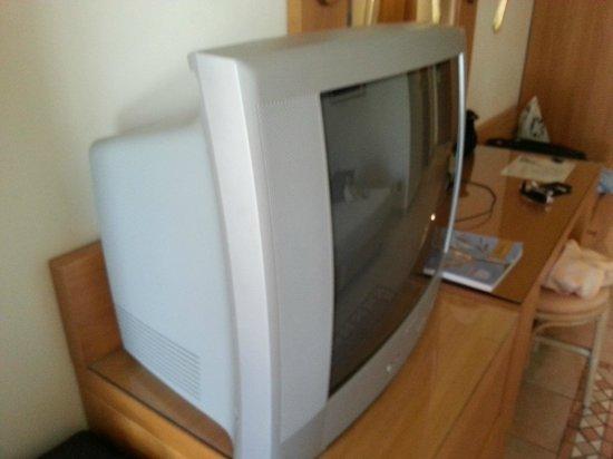 "Aldemar Knossos Royal: ""Modern"" TV"