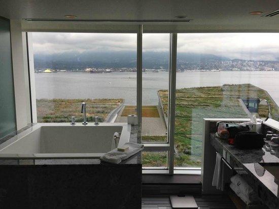 Fairmont Pacific Rim: Washroom - Signature Ofuro room