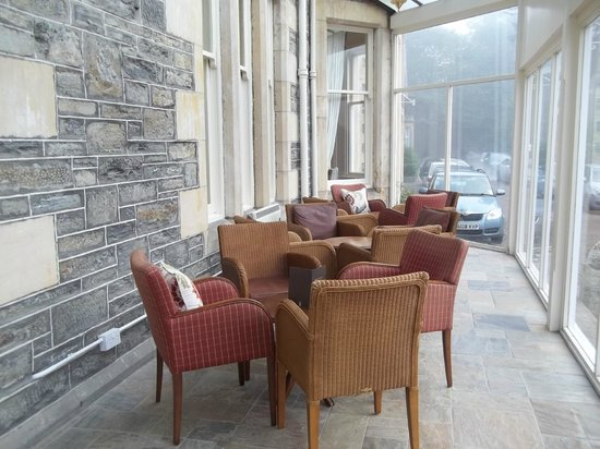 The Craiglynne Hotel: Sun lounge at fron of hotel