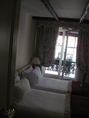 Hotel Madeleine Plaza: room