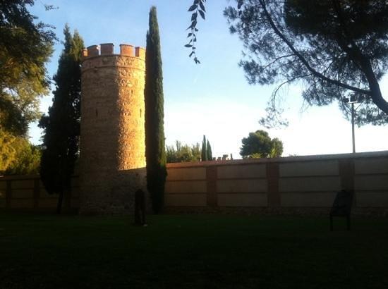 Murallas de la Ciudad: Torre de muralla