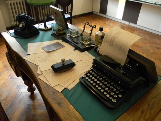 Sugihara House: Closeup of desk