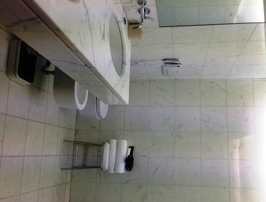 Hotel Raphael - Relais Chateaux: Bathroom