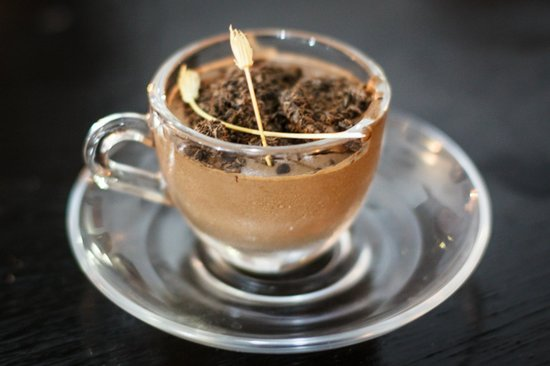 Dar Iman: espresso and choclate mousse cooking with Bea and Daniel