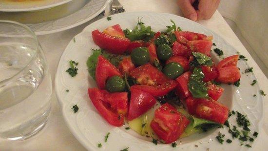 Il Tari: Tomato salad