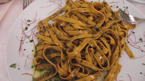 Il Tari: Pasta with pesto